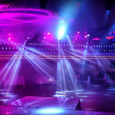 מופעי אורות באולם