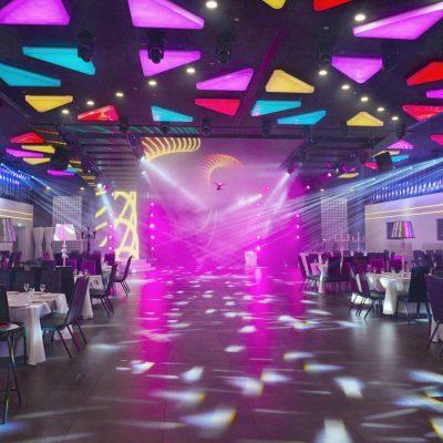 מצב דיסקו, האולם הופך לרחבת ריקודים מרהיבה