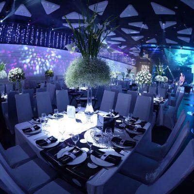 דמיינו איך האורחים כבר נהנים וסועדים בשולחן... מדהים, לא?